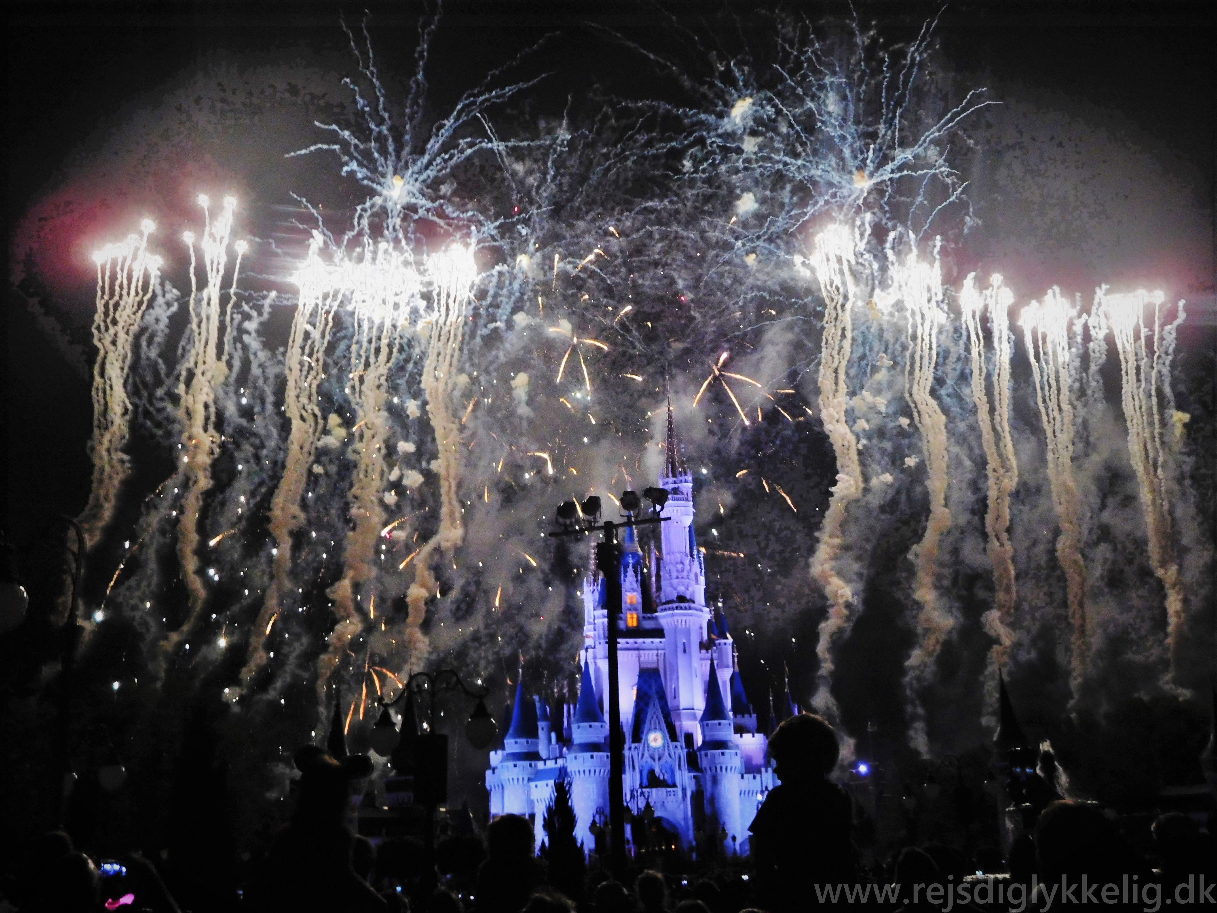 Wishes Nighttime Spectacular Show ved Cinderella Castle i Magic Kingdom