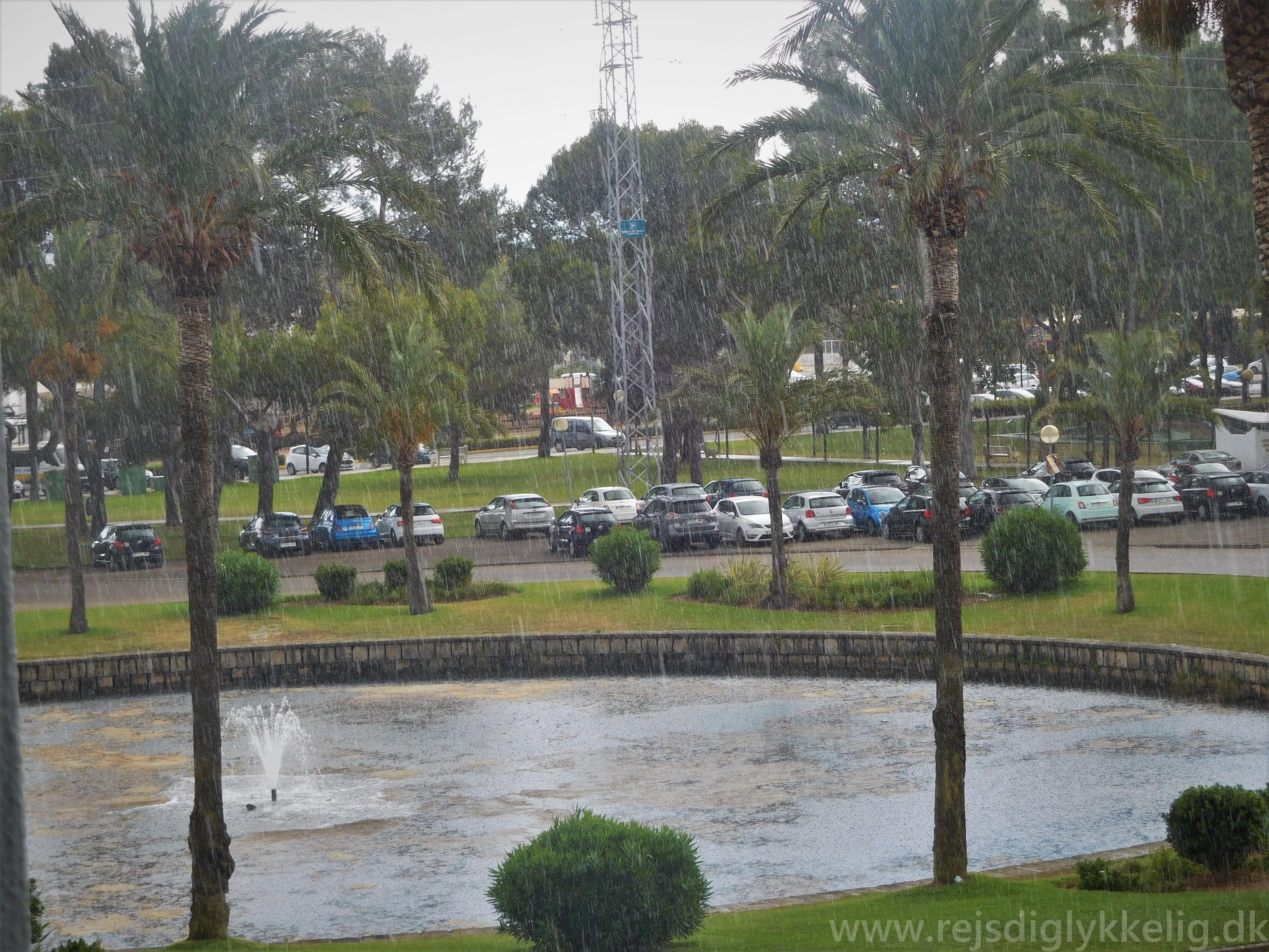 Regnvejr i Alcudia - Rejsdiglykkelig.dk