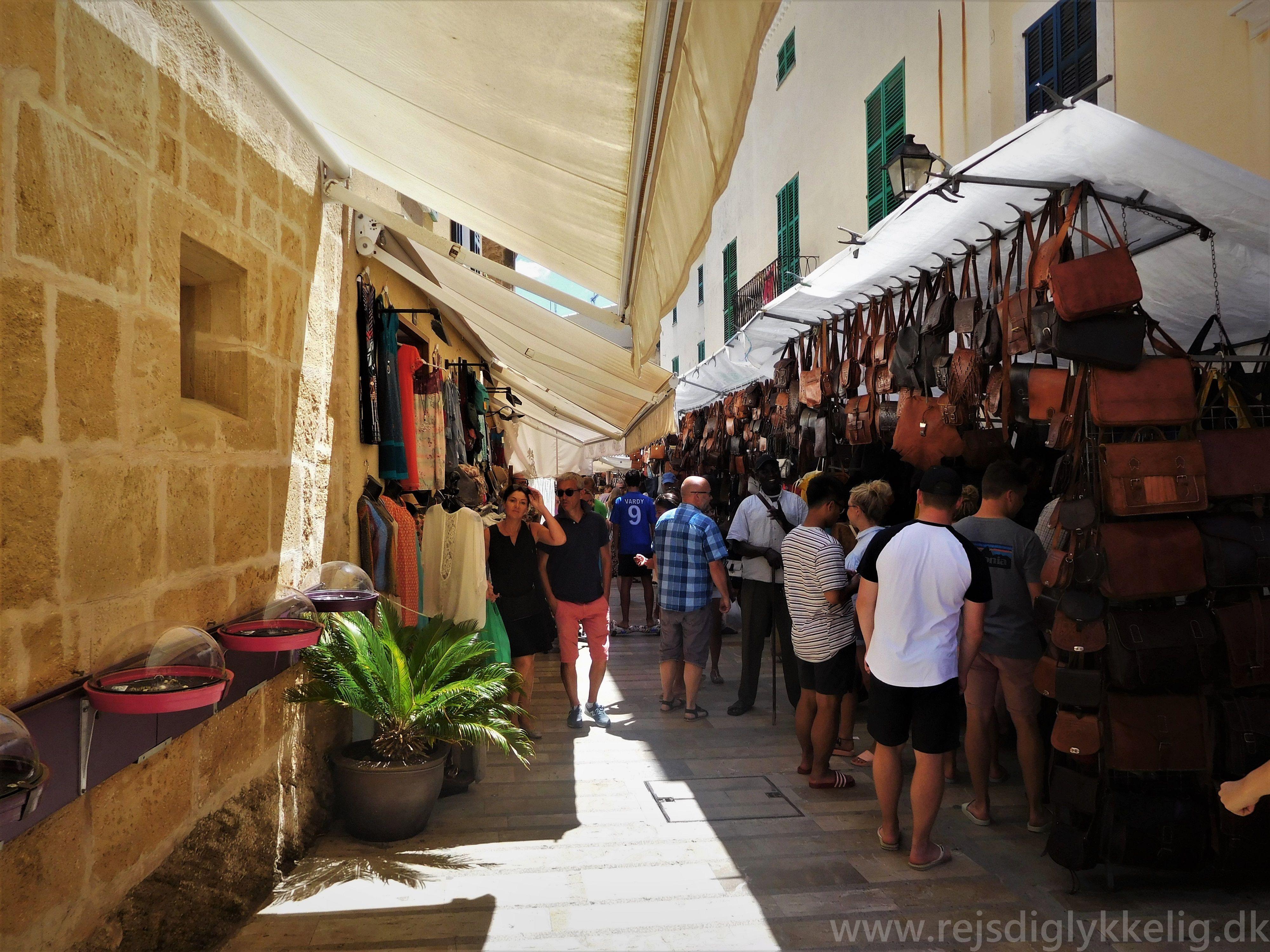 Søndagsmarked i Alcudia - Rejsdiglykkelig.dk