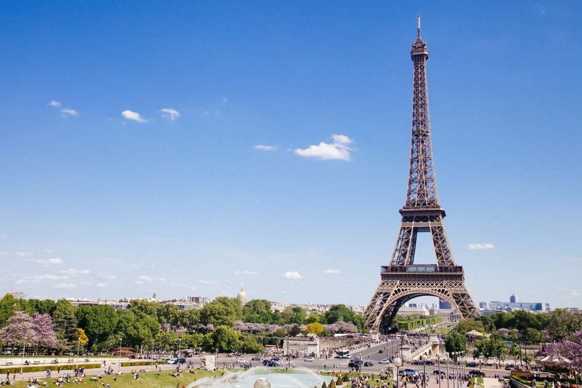 Eiffeltårnet -Rejs Dig Lykkelig