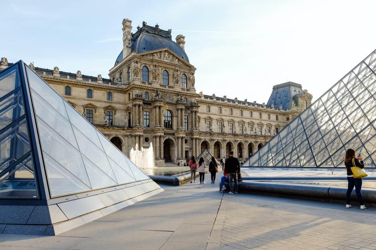 Louvre -Rejs Dig Lykkelig