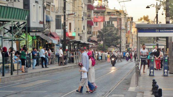 Fotodagbog fra Istanbul - Istanbuls travle gader - Rejsdiglykkelig.dk