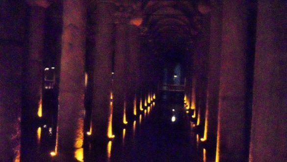 Fotodagbog fra Istanbul - Under jorden i Basilica Cistern - Rejsdiglykkelig.dk