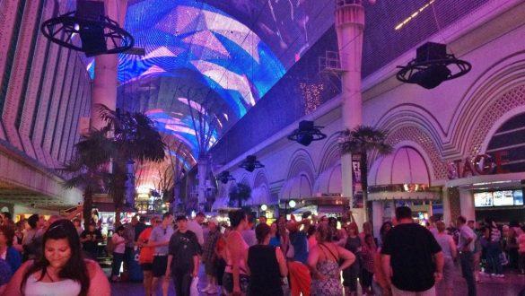 Fotodagbog fra Las Vegas - Fremont Street Experience - Rejsdiglykkelig.dk