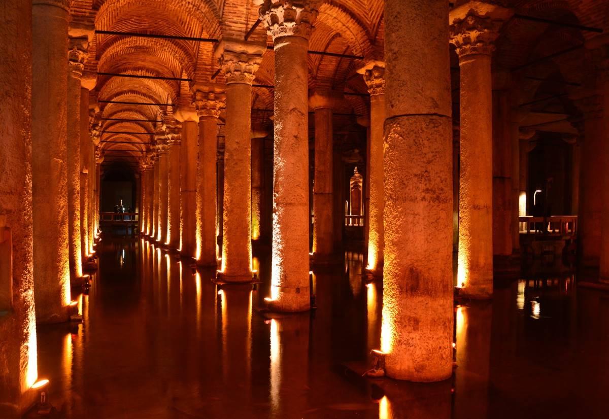 18 Oplevelser i Istanbul - Basilica Cistern - Rejs Dig Lykkelig