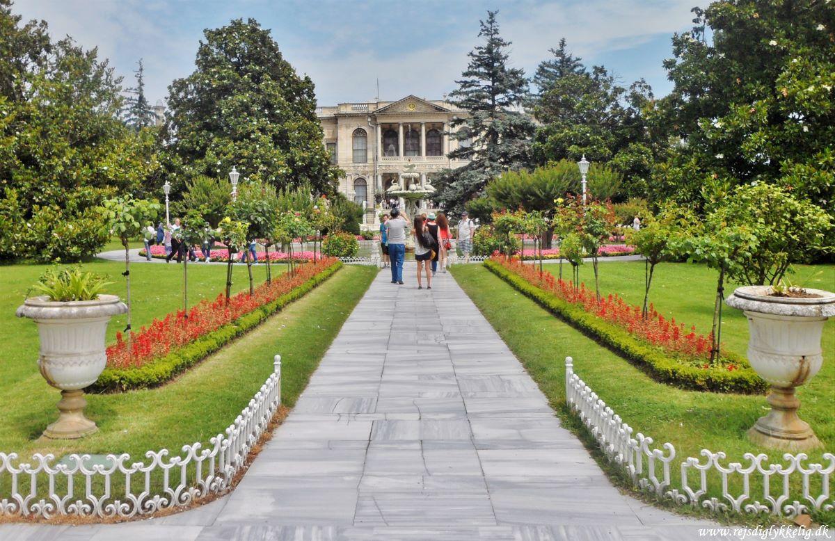 18 seværdigheder og oplevelser i Istanbul - Dolmabahce-Paladset - Rejsdiglykkelig.dk