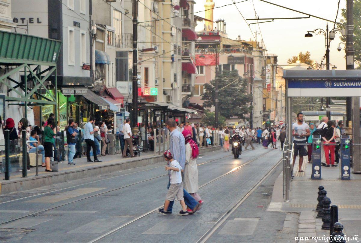 18 seværdigheder og oplevelser i Istanbul - Travle gader - Rejsdiglykkelig.dk