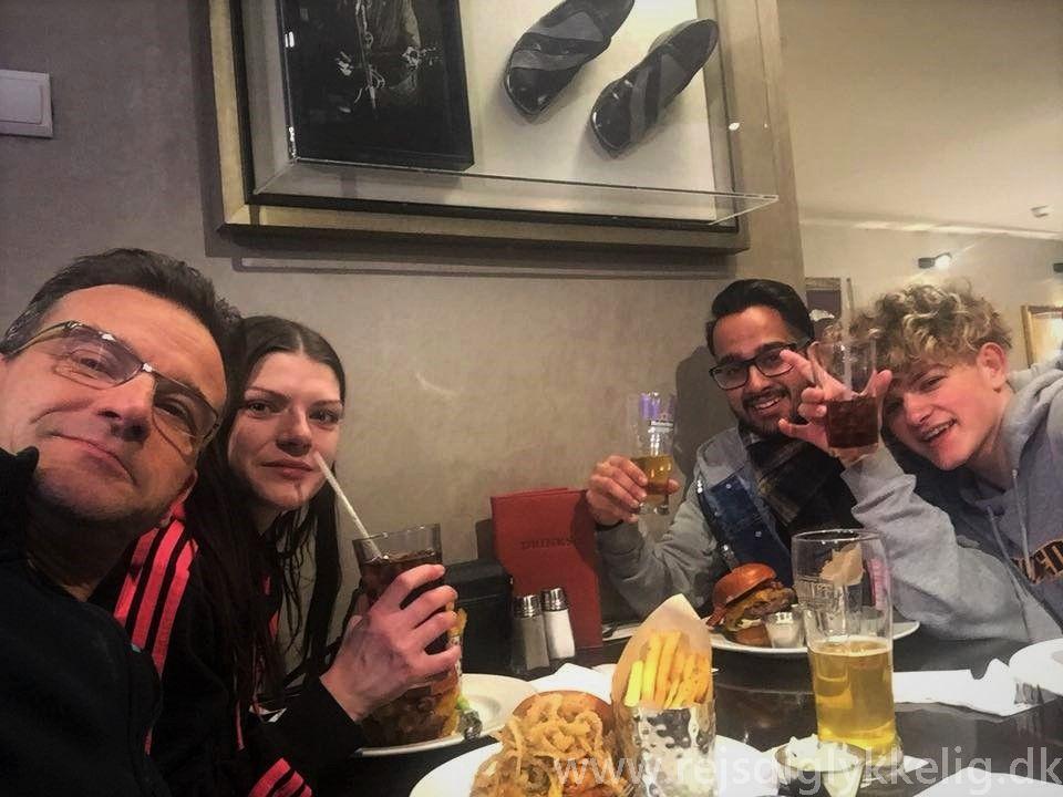 Tilbageblik på 2018 - Hard Rock Cafe i Krakow- Rejsdiglykkelig.dk