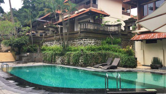 Fotodagbog fra Ubud - Swimmingpool på Champlung Sari Hotel - Rejsdiglykkelig.dk