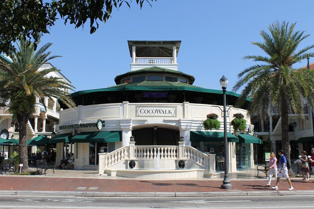 11 bedste steder til shopping i Miami - CocoWalk - Rejsdiglykkelig.dk
