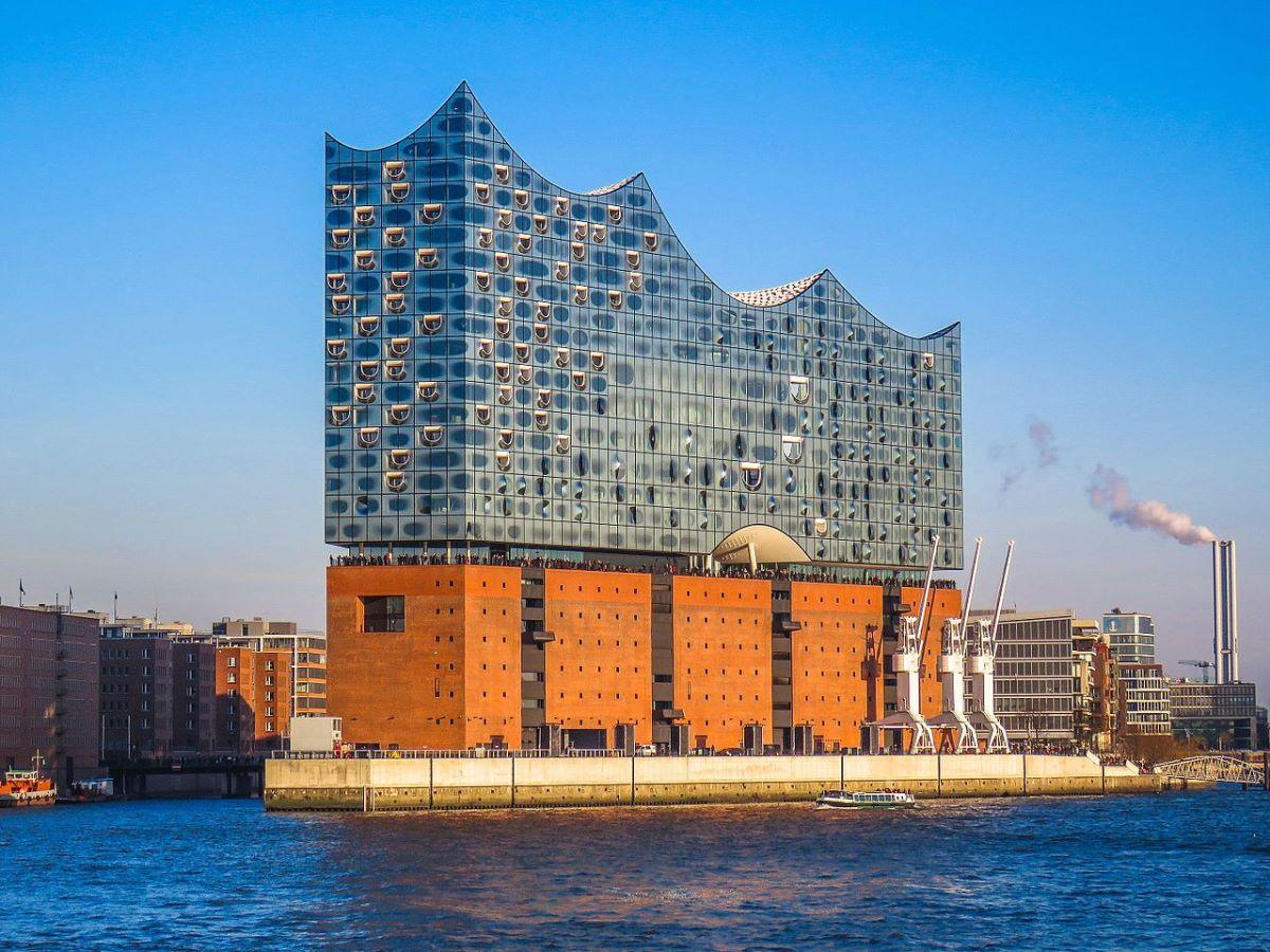 17 must see seværdigheder og oplevelser i Hamborg - Elbphilharmonie - Rejsdiglykkelig.dk