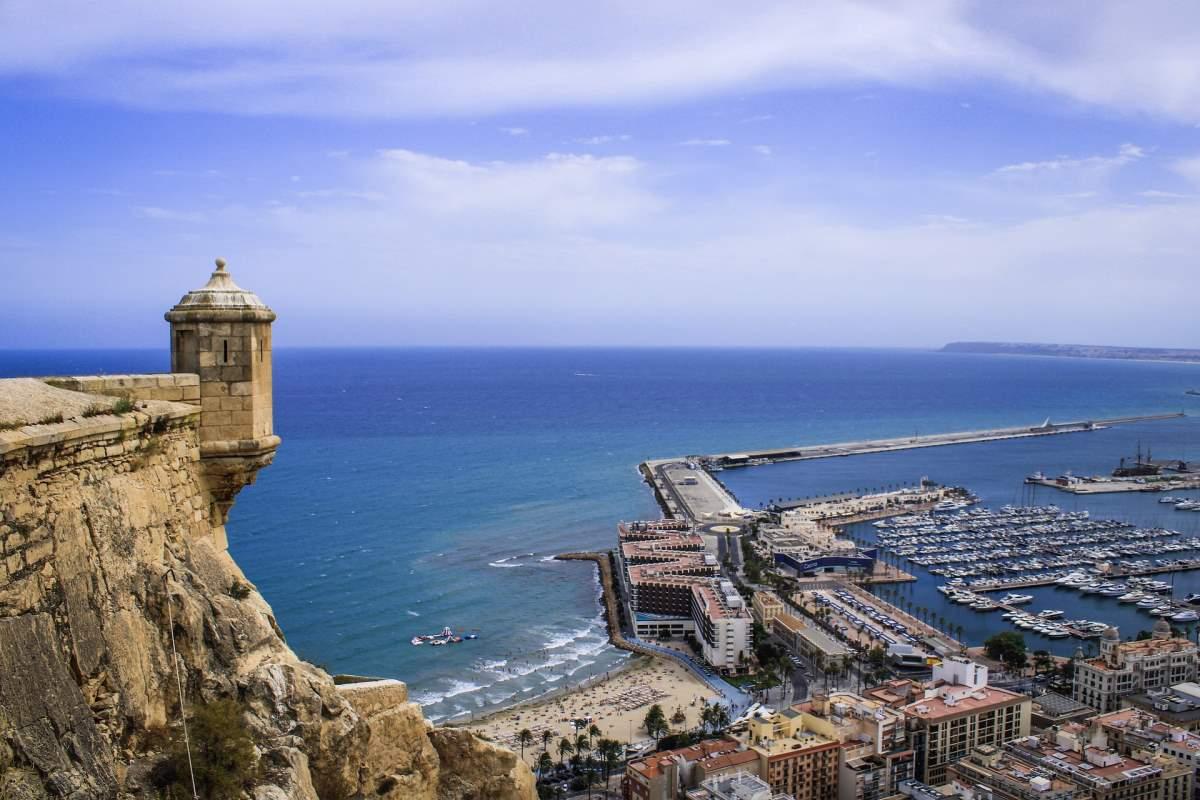 De Bedste Rejsemål i Spanien - Alicante - Rejs Dig Lykkelig