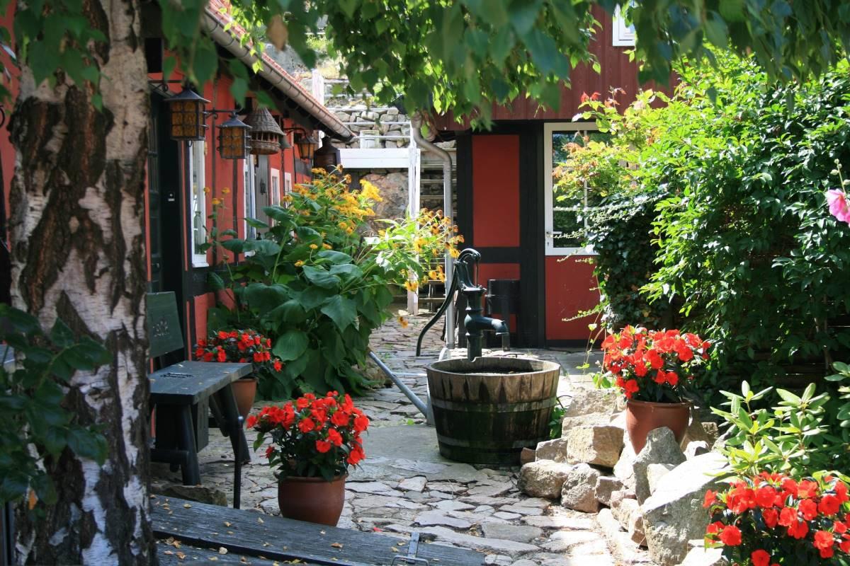 19 Seværdigheder og Oplevelser på Bornholm- Gudhjem - Rejs Dig Lykkelig