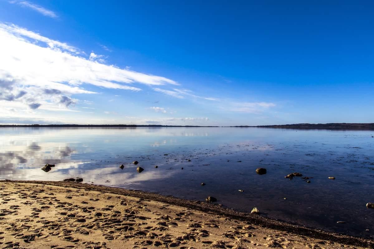 Seværdigheder og Oplevelser i Ebeltoft - Strande - Rejs Dig Lykkelig