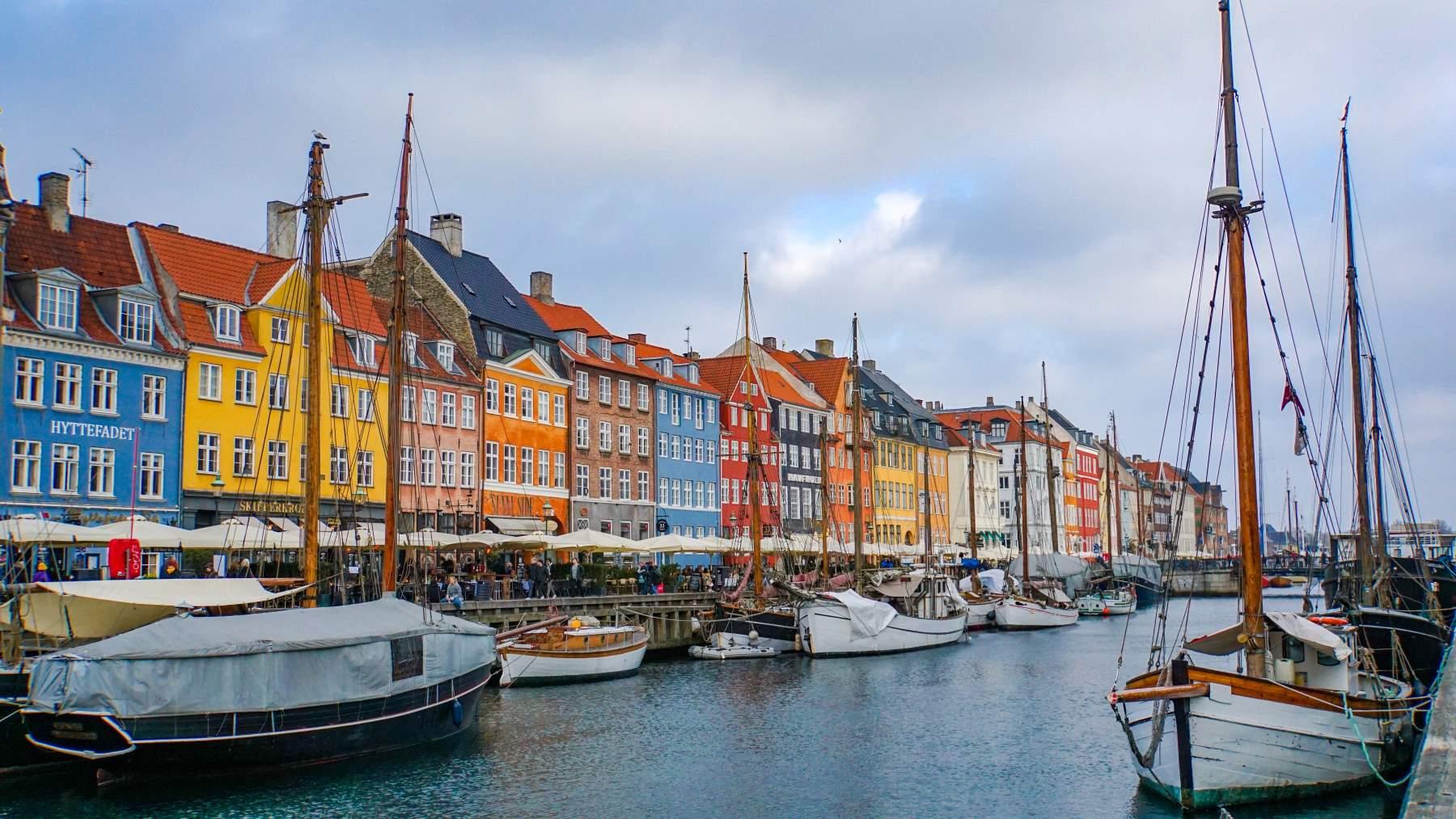 29 Seværdigheder og Oplevelser i København - Nyhavn - Rejs Dig Lykkelig