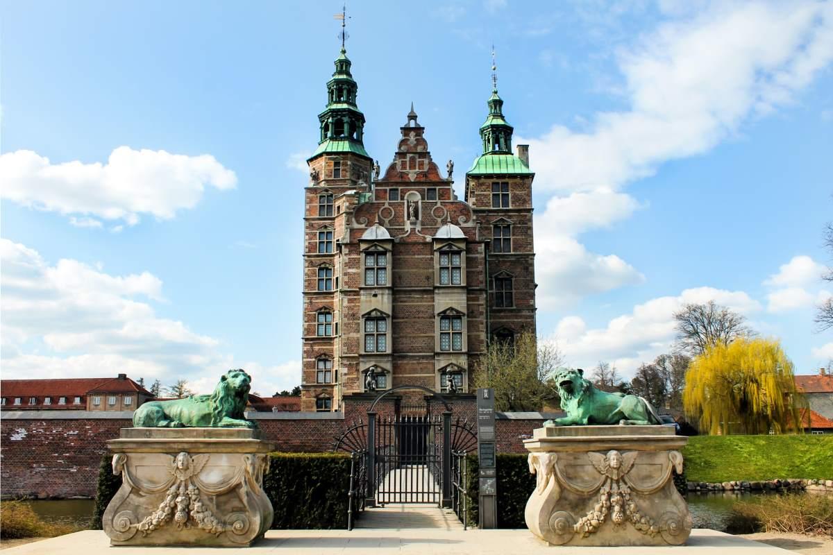 29 Seværdigheder og Oplevelser i København - Rosenborg Slot - Rejs Dig Lykkelig