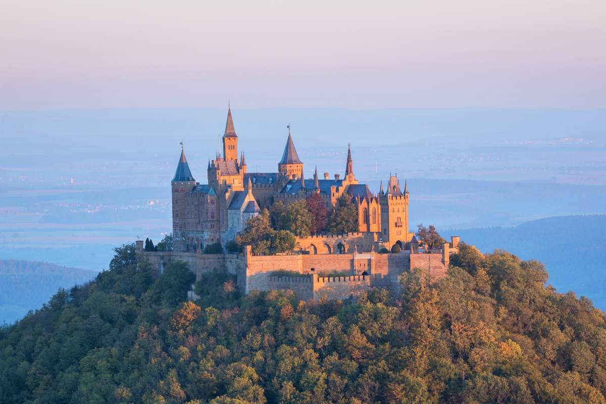 Burg Hohenzollern - Rejs Dig Lykkelig