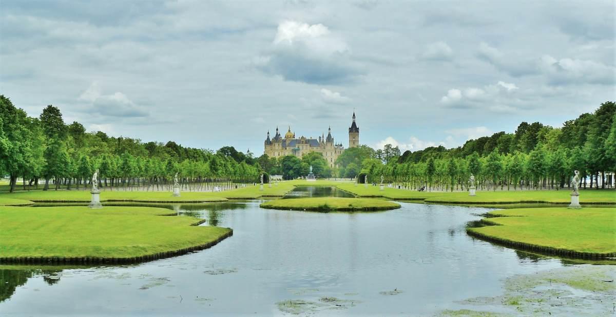 12 Eventyrlige Slotte i Tyskland - Schloss Schwerin - Rejs Dig Lykkelig
