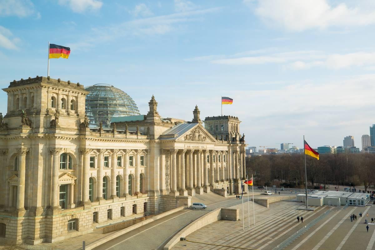 20 Must-see Seværdigheder i Berlin - Reichstag - Rejs Dig Lykkelig