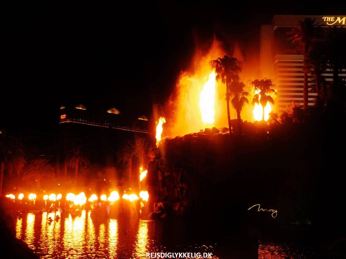 30 Oplevelser i Las Vegas - Mirage Vulkanen - Rejs Dig Lykkelig