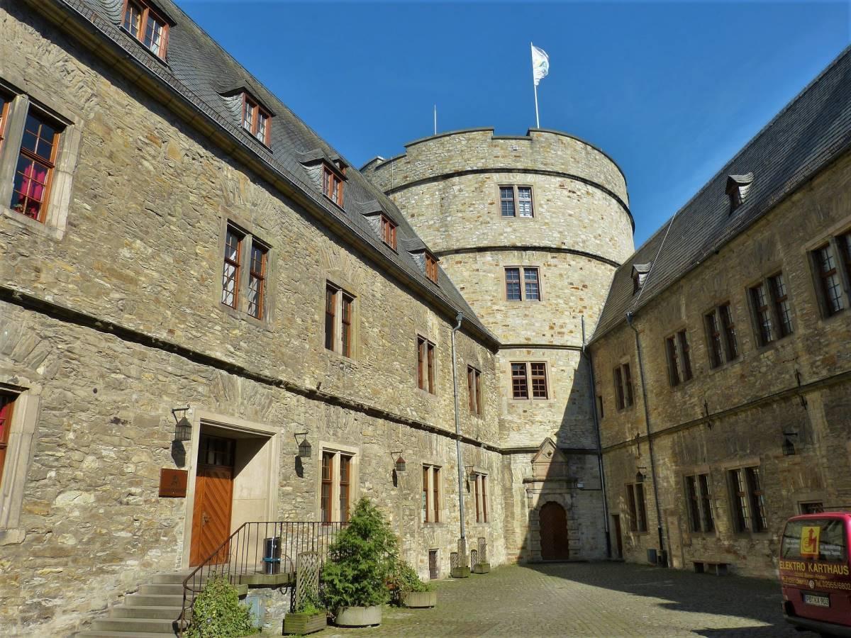 De Vigtigste 2. Verdenskrig Seværdigheder i Tyskland - Wewelsburg Slottet - Rejs Dig Lykkelig