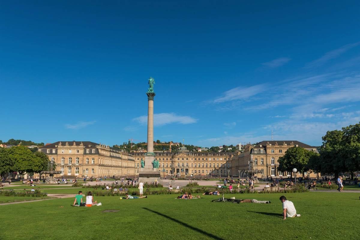 Schlossplatz - Rejs Dig Lykkelig
