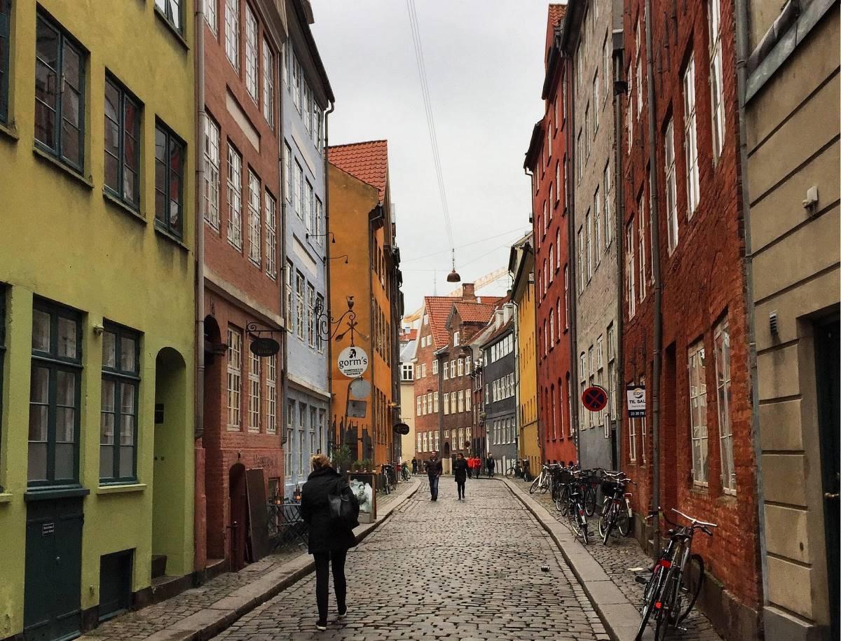 Top 20 Gratis Oplevelser i København - Magstræde - Rejs Dig Lykkelig