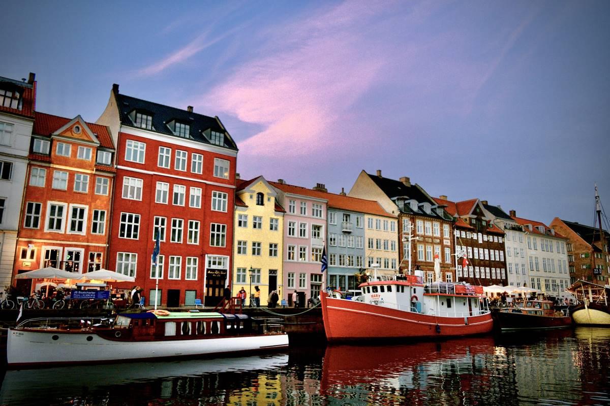 Top 20 Gratis Oplevelser i København - Nyhavn - Rejs Dig Lykkelig