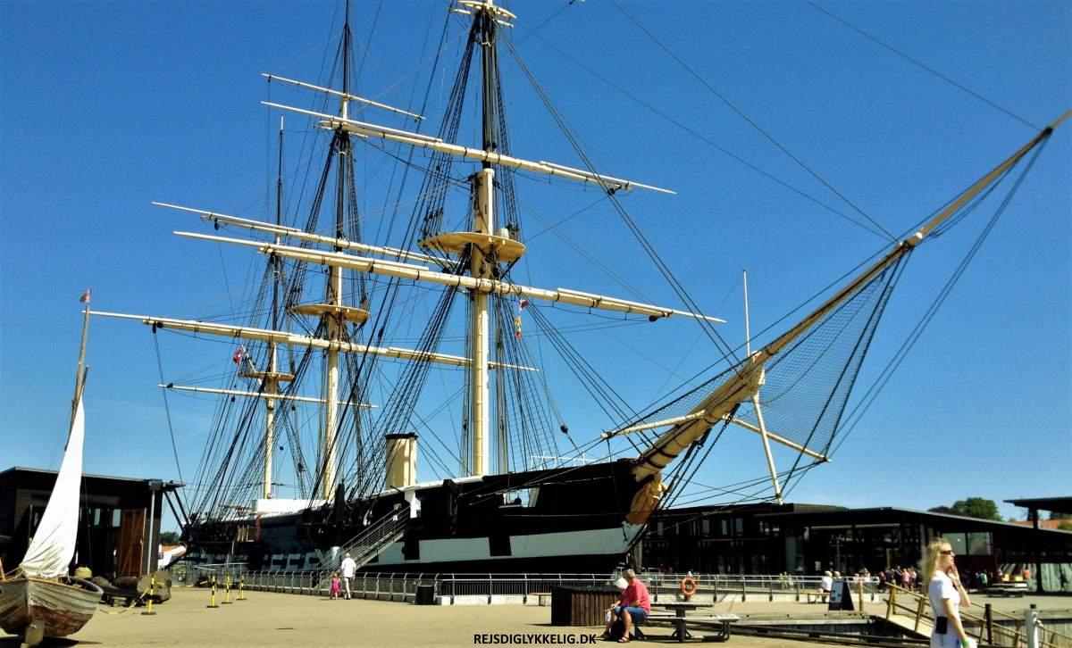 Fregatten Jylland - Rejs Dig Lykkelig