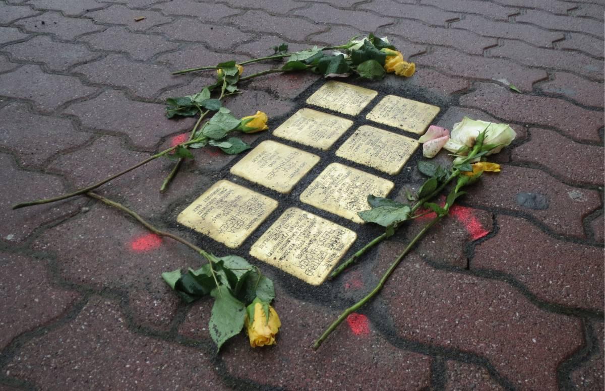 31 Must-See Seværdigheder i Berlin - Snublesten - Rejs Dig Lykkelig