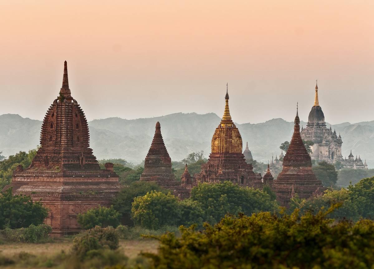 De 21 Absolut Bedste Rejsemål i Asien - Bagan - Rejs Dig Lykkelig