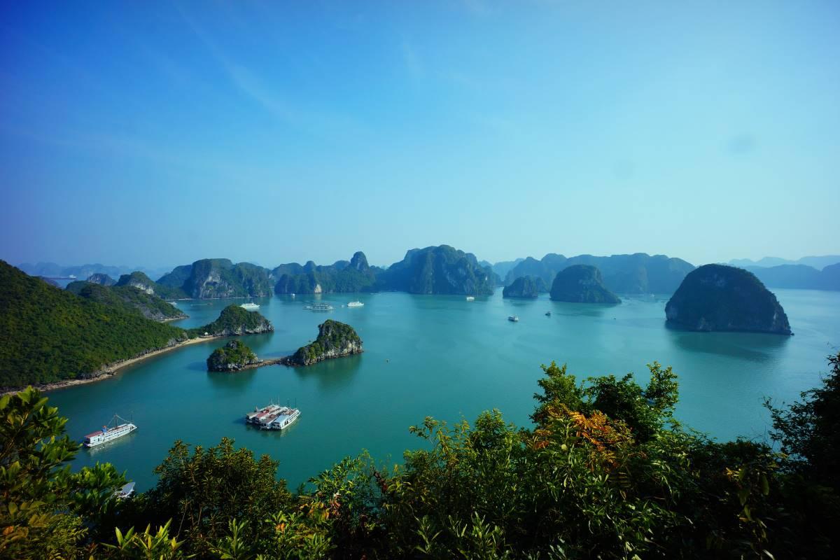 Halong Bay - Rejs Dig Lykkelig