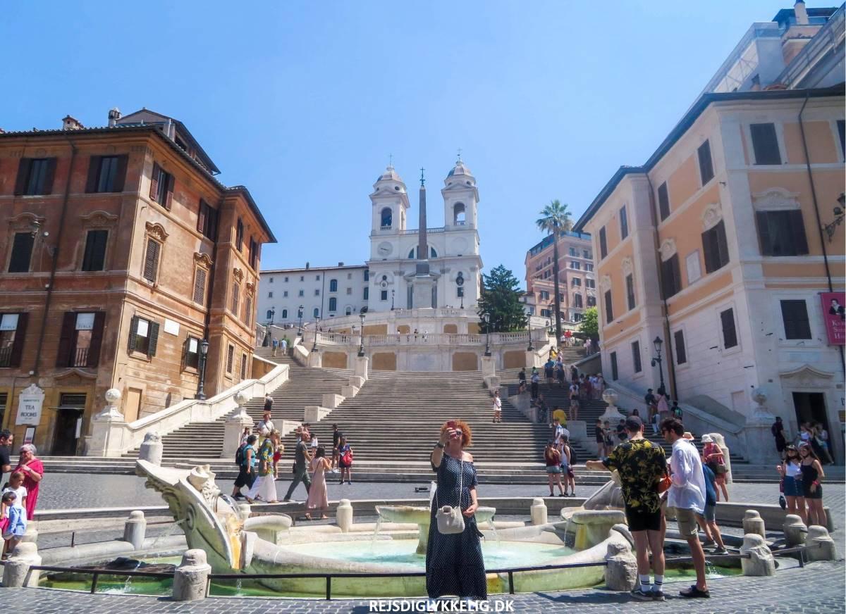 14 Must-See Seværdigheder og Oplevelser i Rom - Den Spanske Trappe - Rejs Dig Lykkelig