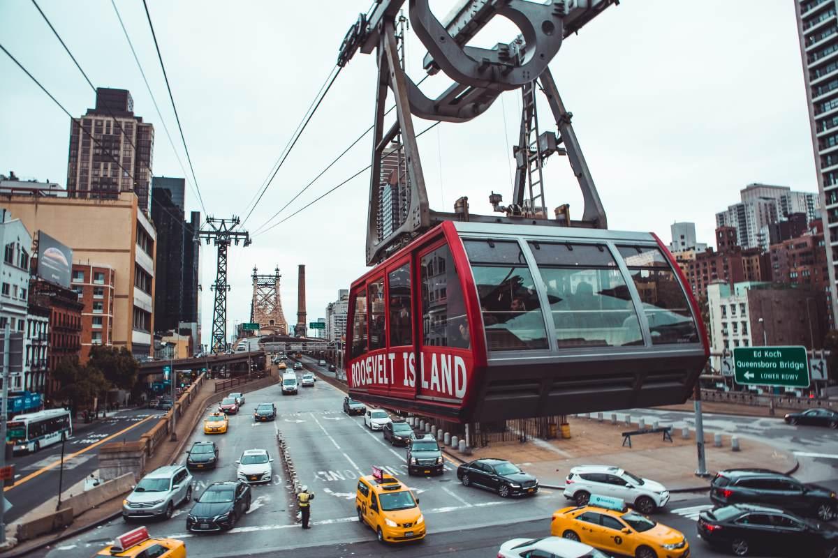 15 Utrolige Udsigtspunkter i New York City - Roosevelt Island Tram - Rejs Dig Lykkelig
