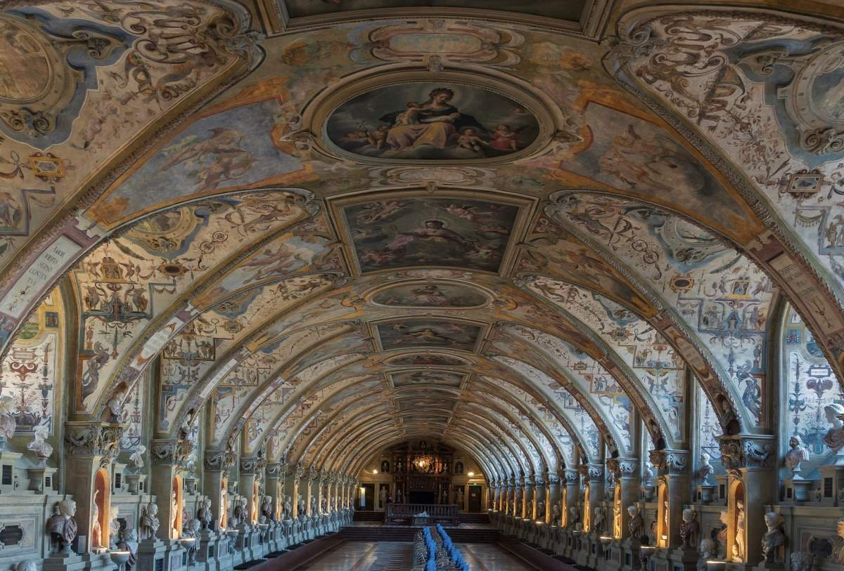 24 Must-See Seværdigheder og Oplevelser i München - Residenz - Rejs Dig Lykkelig