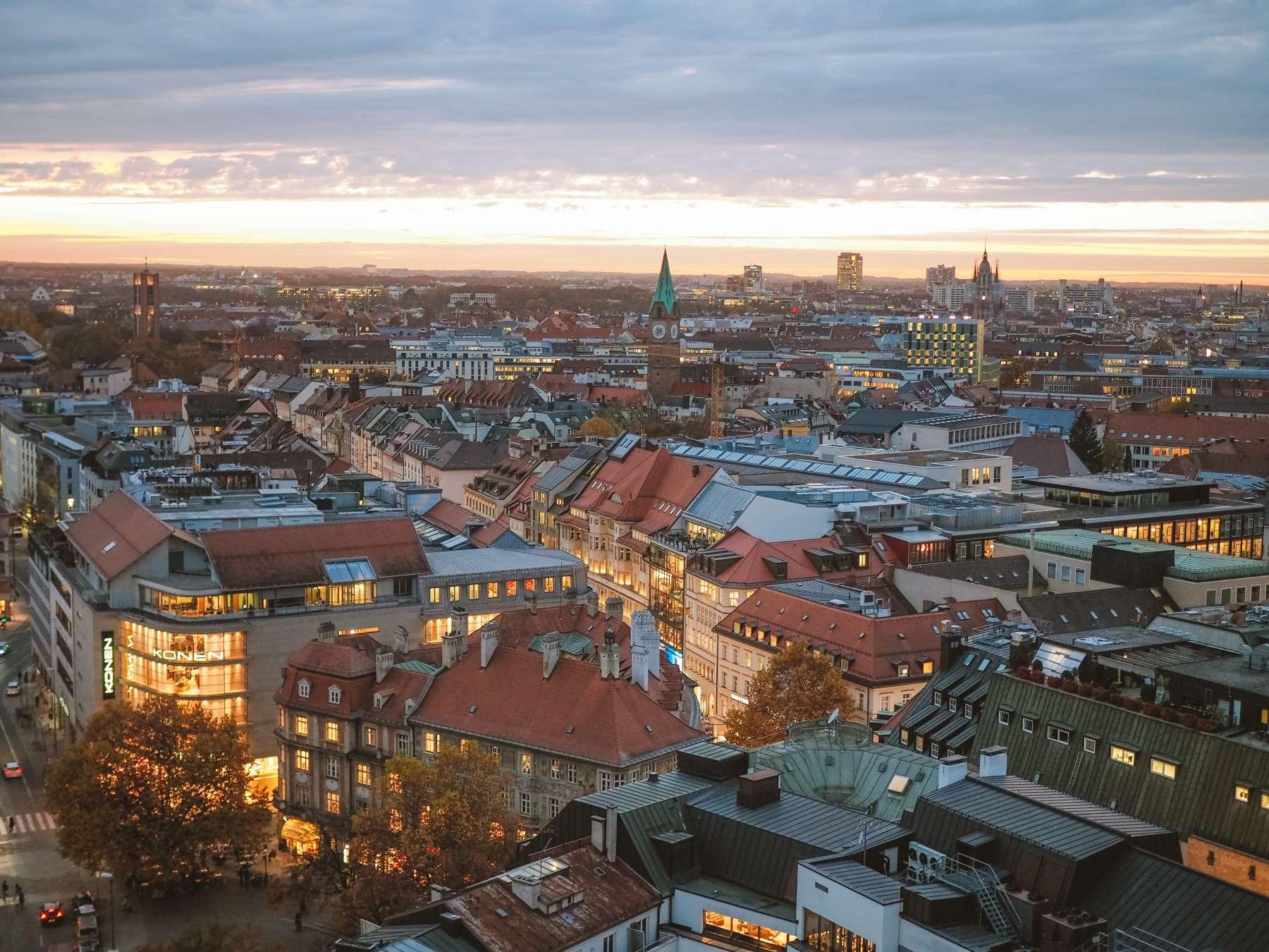 Coverbillede kategori - München - Rejs Dig Lykkelig