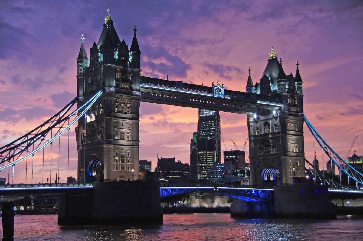 Tower Bridge - Rejs Dig Lykkelig