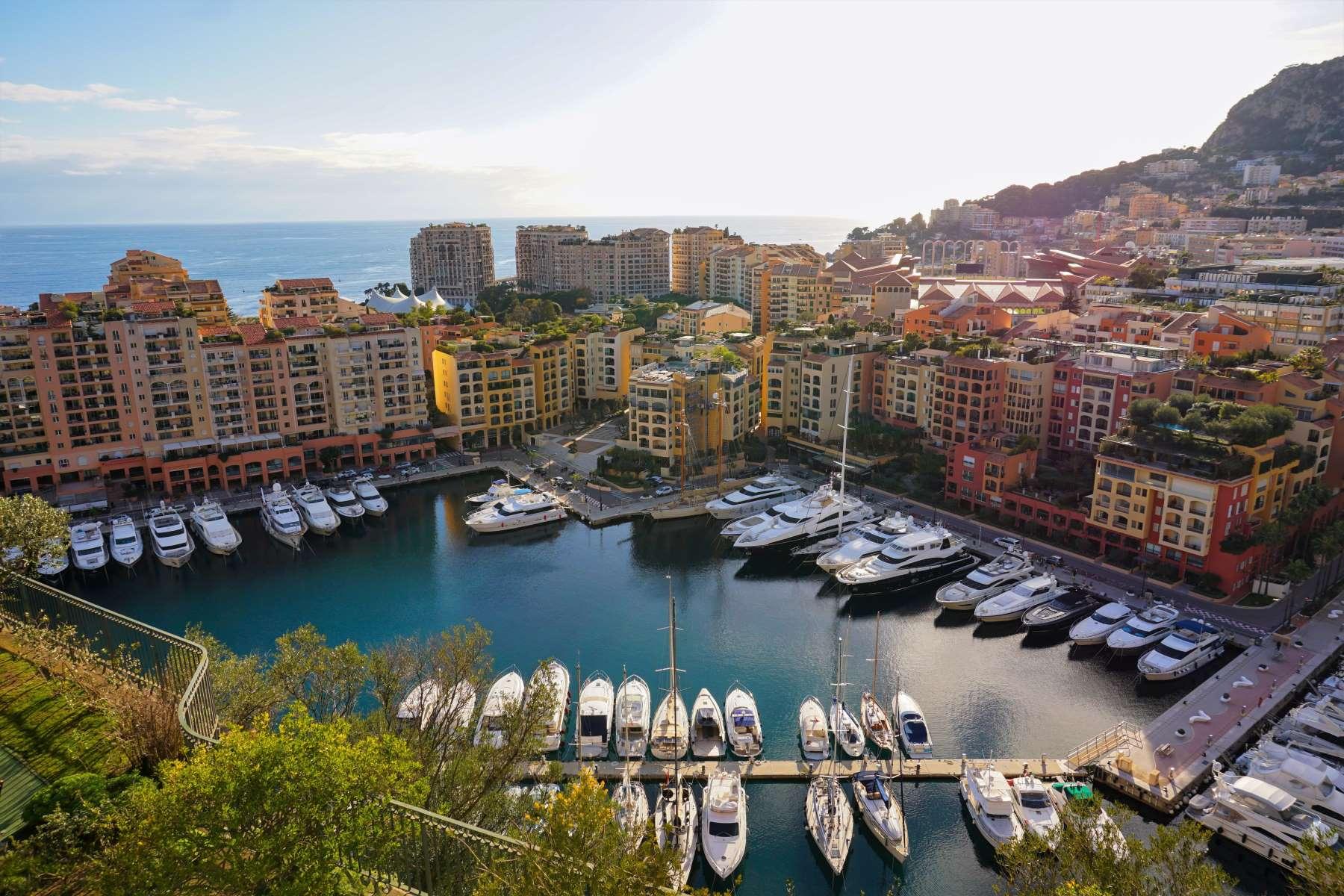 15 Seværdigheder og Oplevelser i Monaco - Port de Fontvieille -Rejs Dig Lykkelig