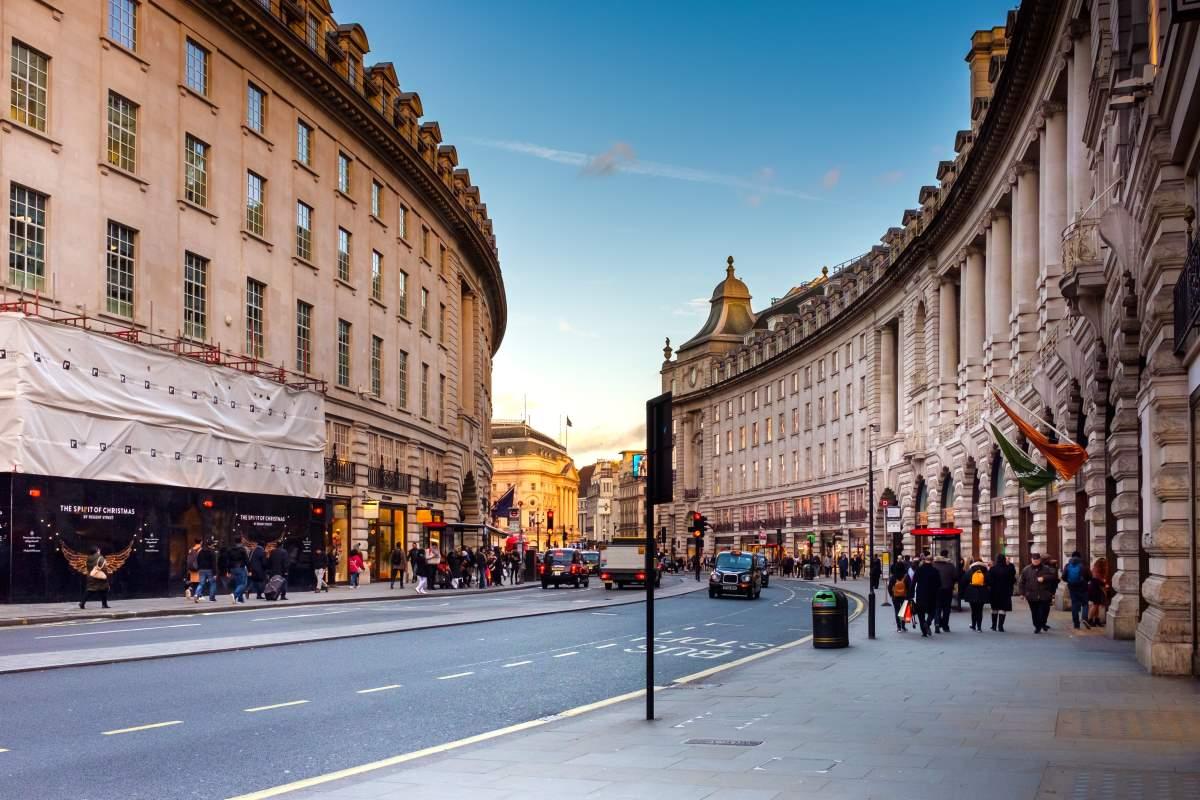 Regent Street i London - Rejs Dig Lykkelig