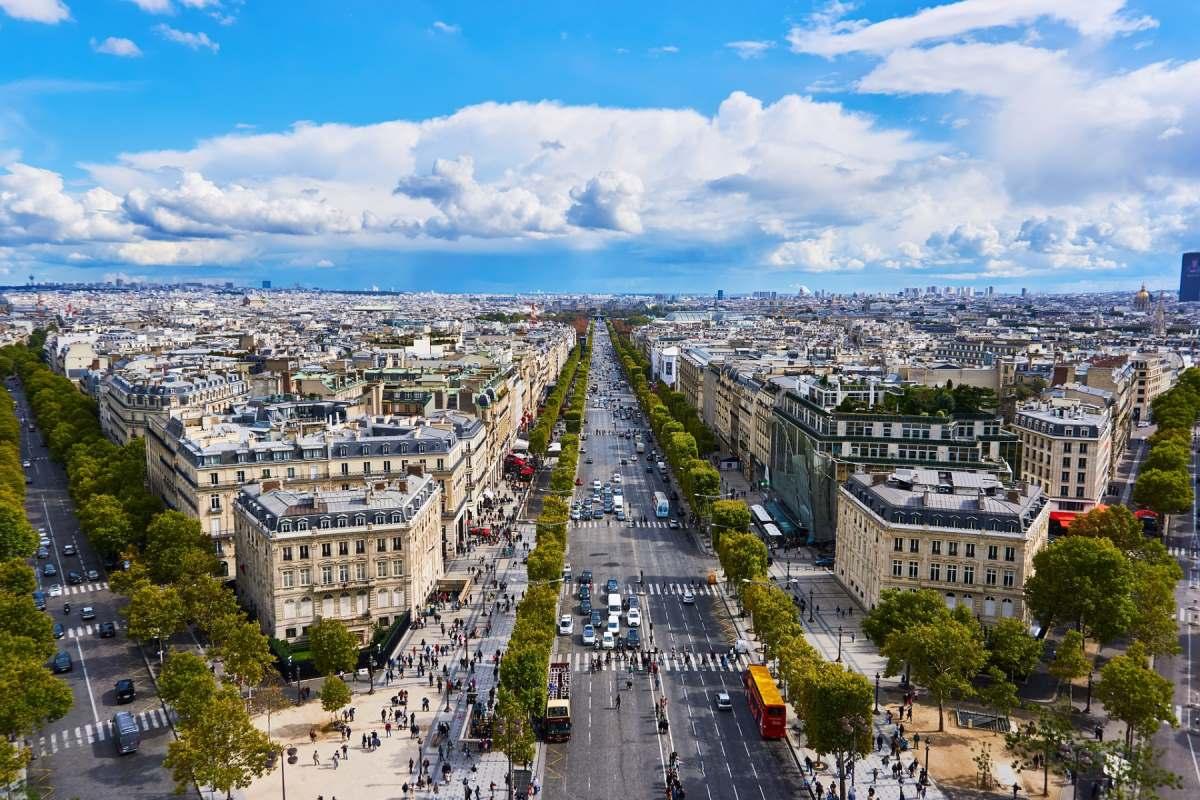 Champs Elysees i Paris - Rejs Dig Lykkelig